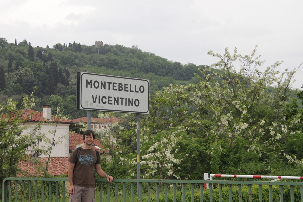 Entrada a Montebello